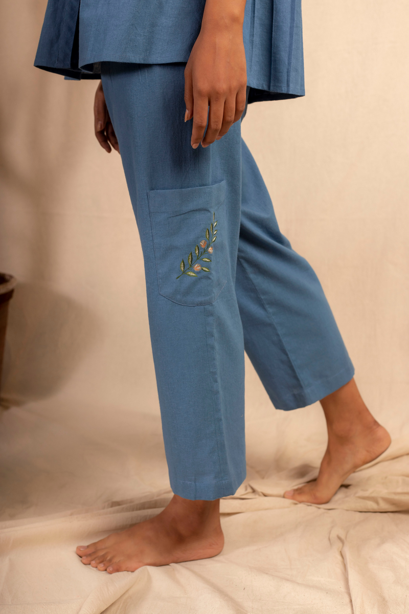 Sui | DALLA RIVA embroidered, herbal-dyed recycled fabric casual trousers from Granita Summer Collection 2019