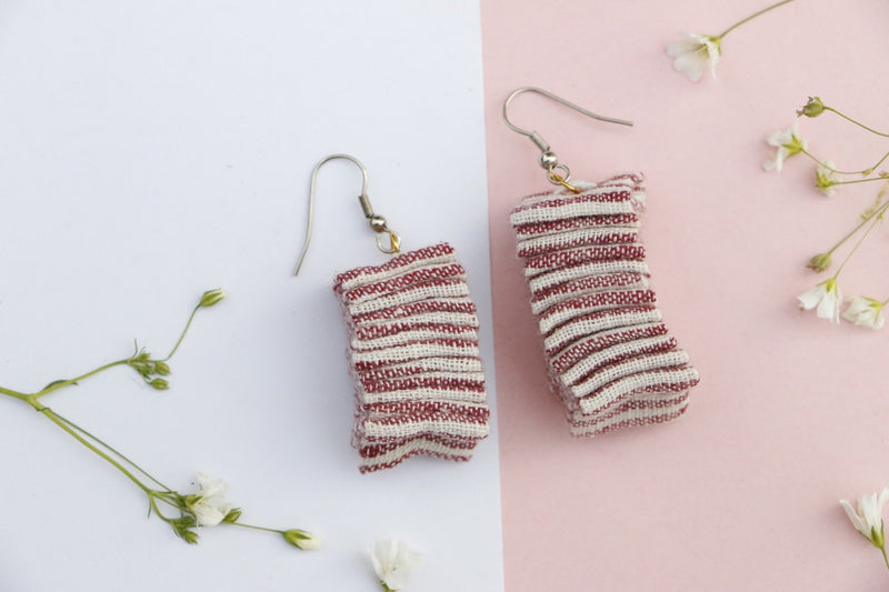 Whispering Waves earrings (Christmas edition)