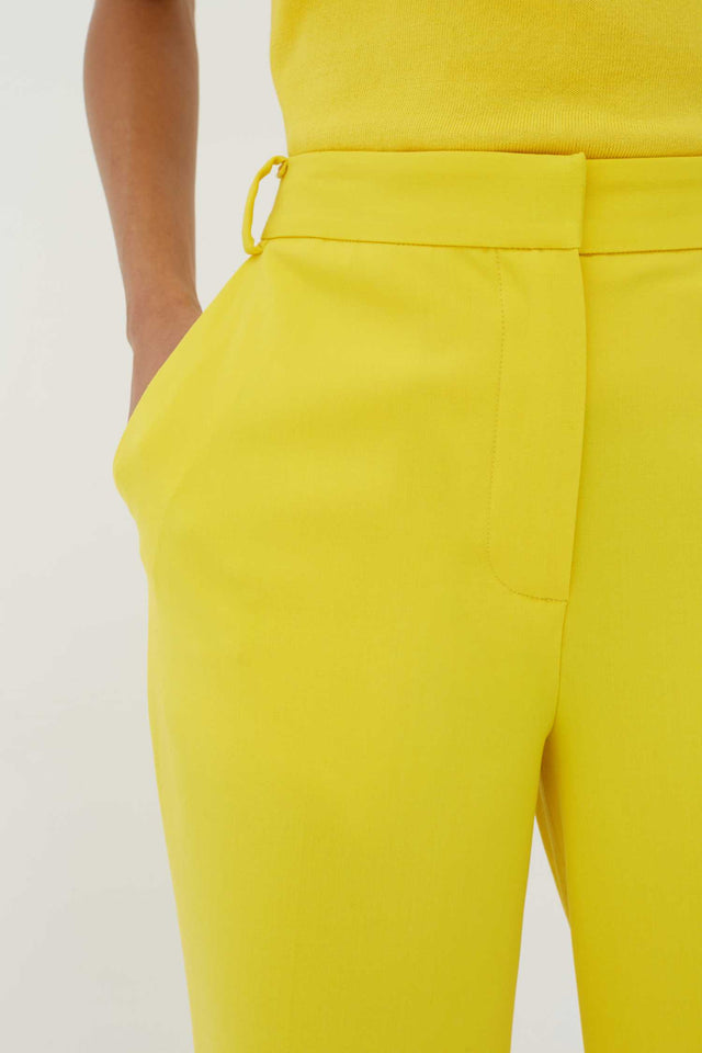 Yellow Wool-Twill Cropped Trousers image 4