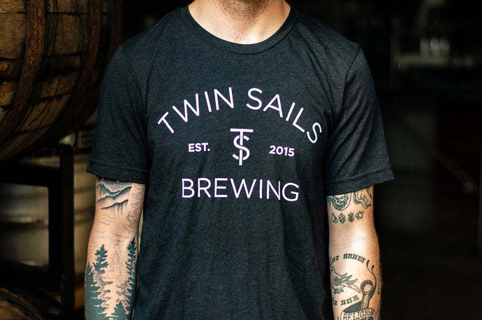 Twin Sails Arched Logo Tee - Men's (Black)