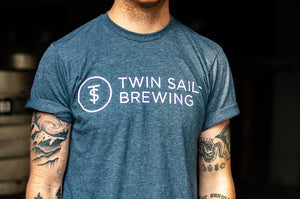 Twin Sails Straight Text Tee - Men's (Heather Slate Blue)