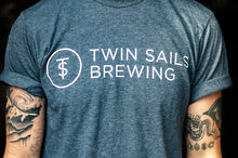 Load image into Gallery viewer, Twin Sails Straight Text Tee - Men's (Heather Slate Blue)