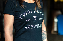 Load image into Gallery viewer, Twin Sails Arched Logo Tee - Women's (Black)