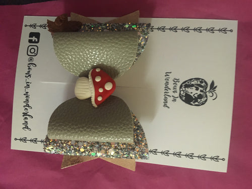 Grey Toadstool Bow