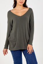 Load image into Gallery viewer, Mia V Neck jumper with pockets