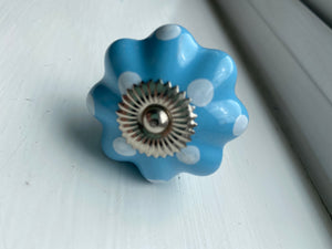 Spotted Cornflower Blue Knob