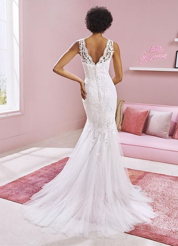 W1 White One Size 20 Billie Off White Gown