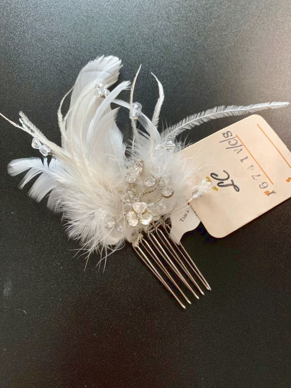 LC 1674 Ivory Hair Accessory