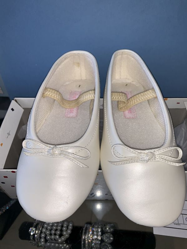 7 toddler Ivory Shoes