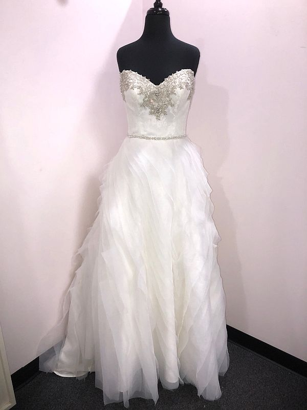 Winnie Couture Size 6 Ivory Custom Gown