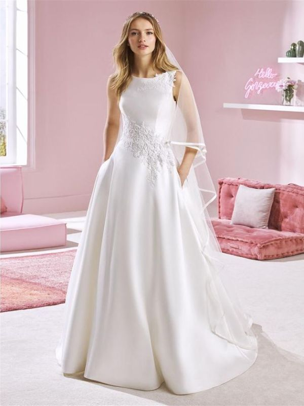 W1 White One Size 10 Whitney Off White Gown