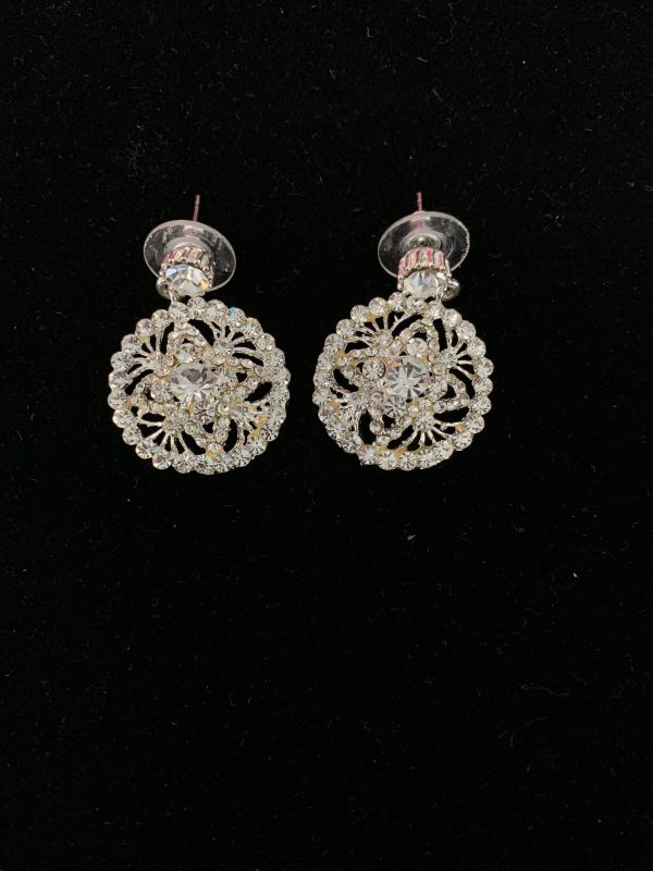 12195 Silver Rhinestone Round Earrings