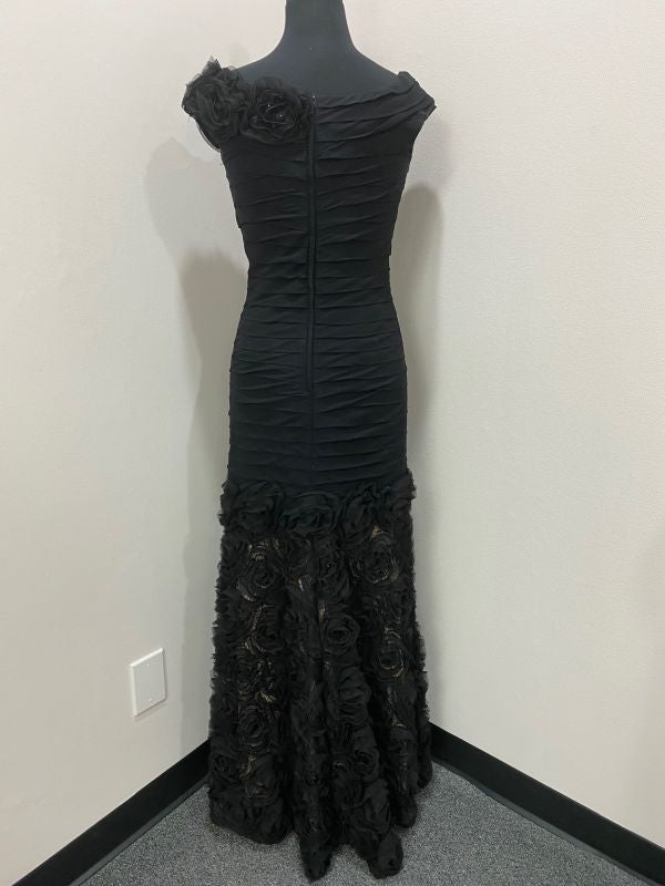 Jovani Black/Nude Size 6 Mother of Bride Dress
