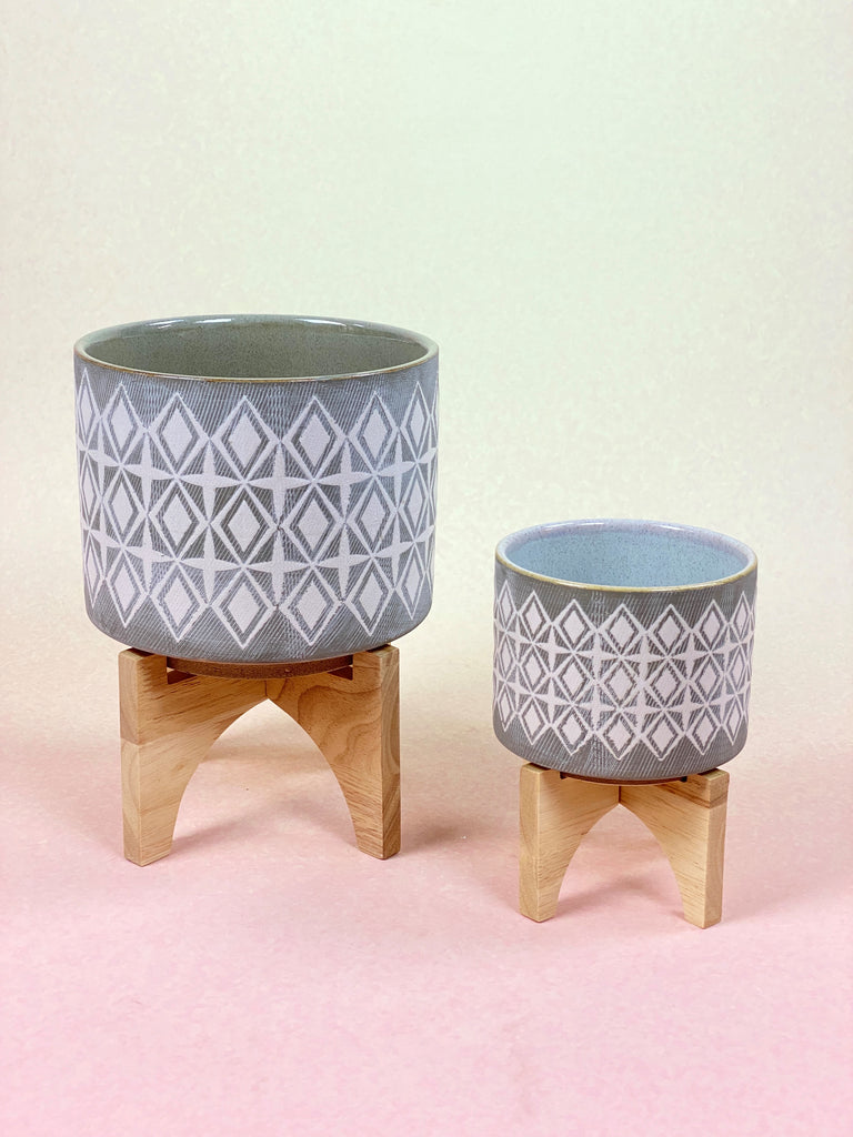 Ceramic Pot With Stand - Grey