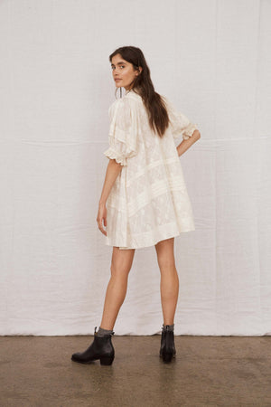 Shadow Pleat Mini - Ivory