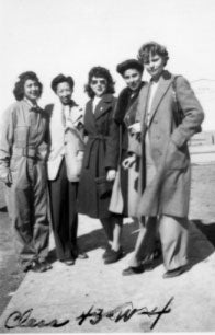 Hazel Ying Lee with members of WASP class of 43'