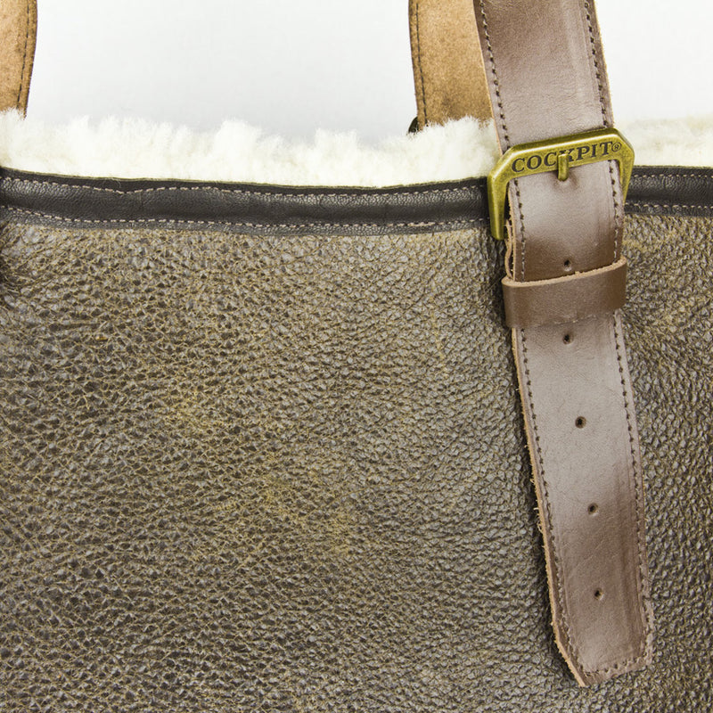 Distressed B-3 Bag in brown detail
