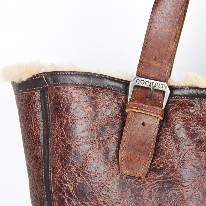 Distressed B-3 Bag russet detail