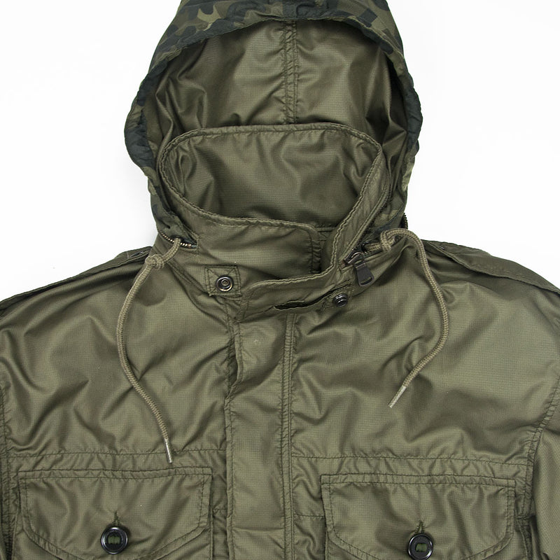 Sabre Ultralight Field Jacket collar detail