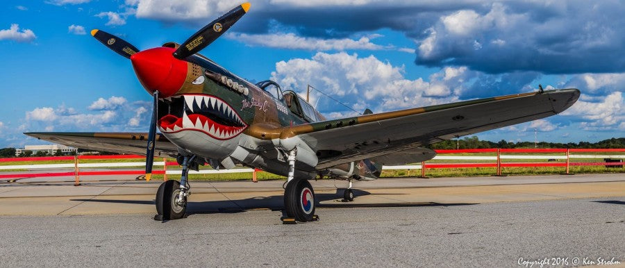 American Airpower Museum's P-40