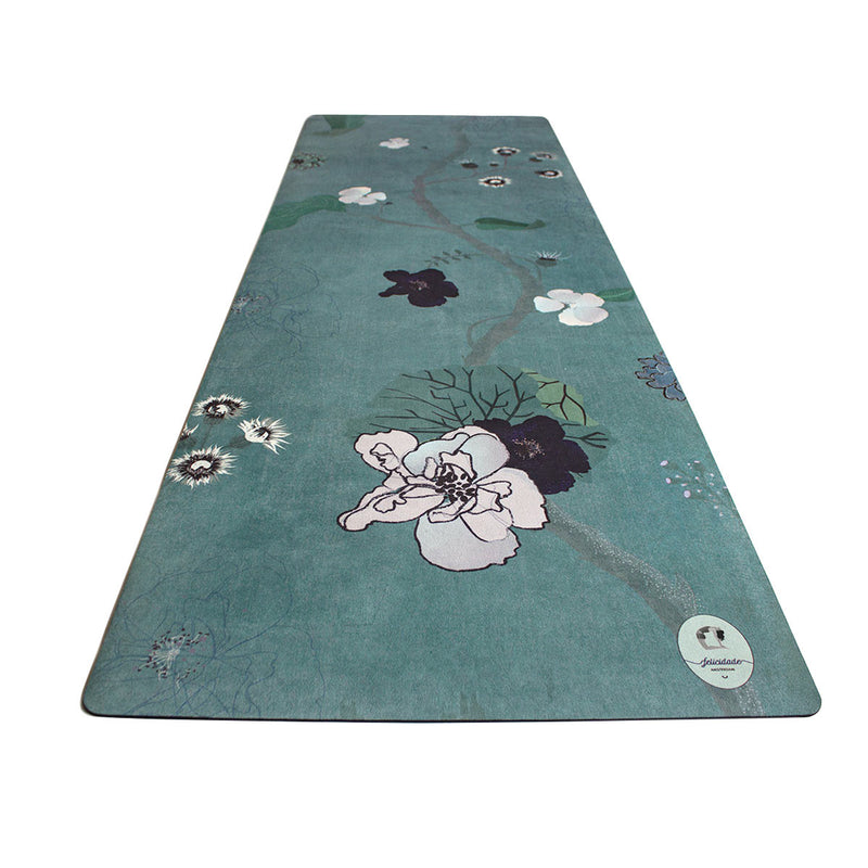 yoga mat with flowers