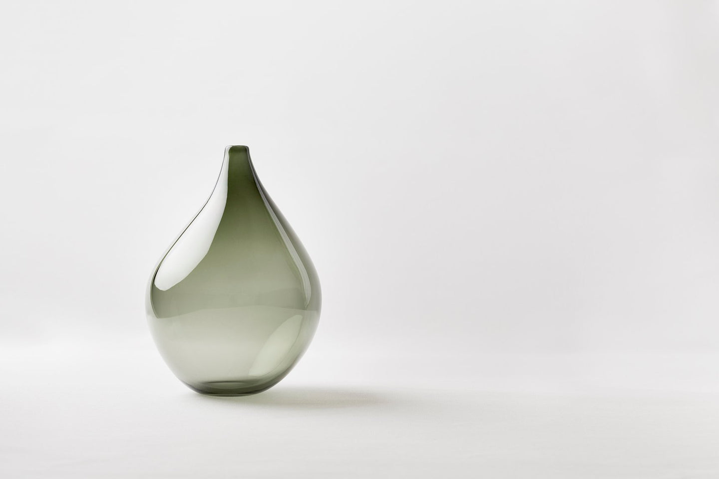 Pulu vase, Tall green
