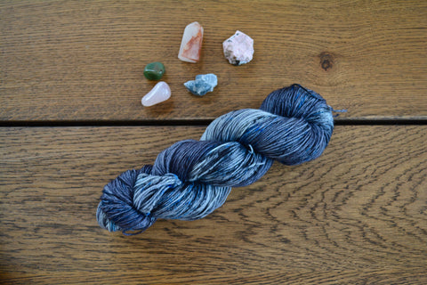 Tourmalinated Quartz Merino Yarn (Fingering / 100 g / 490 y) Hand Dyed