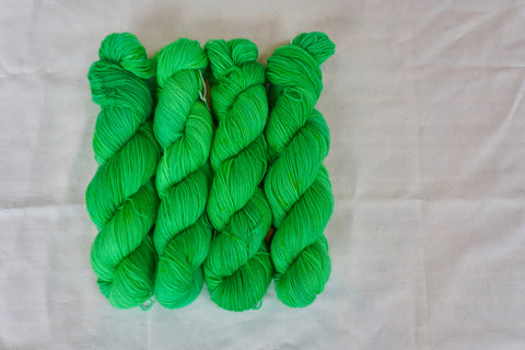 Ecto Cooler Sock Yarn (100 g / 463 y) Hand Dyed
