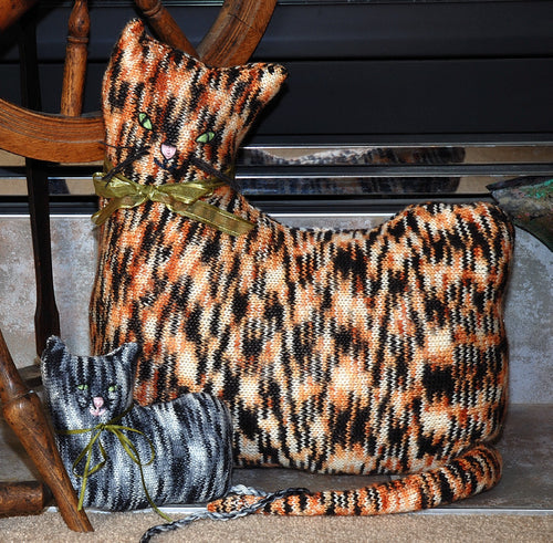 Sandi Cat Cushion