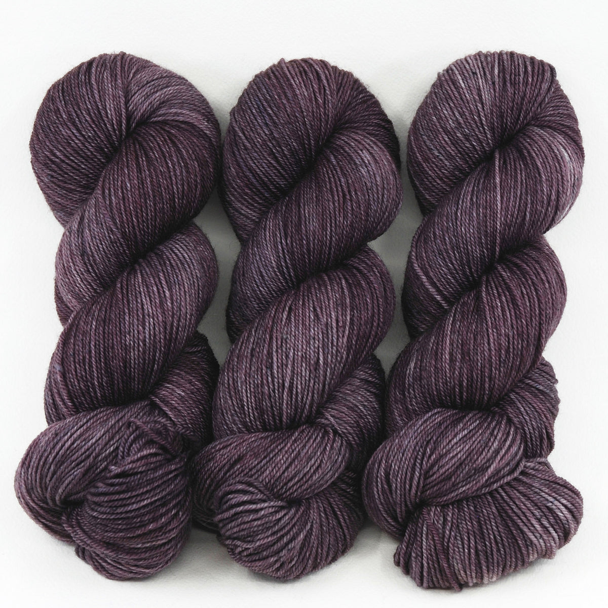 Baby Aubergine in Fingering / Sock Weight