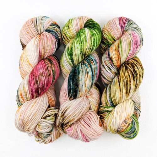 Flowers in the Fields - Merino DK / Light Worsted - Dyed Stock