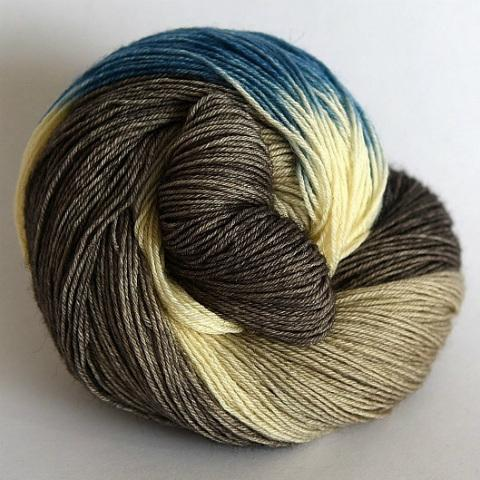 Frost Flower in Fingering / Sock Weight