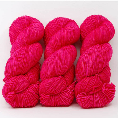 Hibiscus in Fingering / Sock Weight