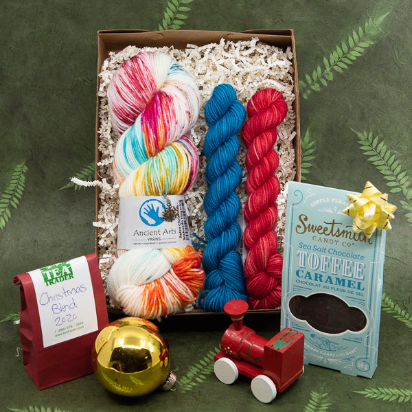 Treat Yourself to a Retro Christmas Maker's Box!
