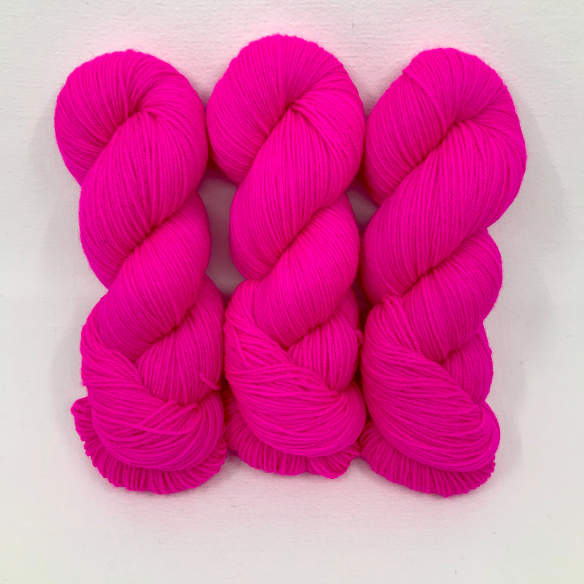 Pink Light Sabre - Merino DK / Light Worsted - Dyed Stock