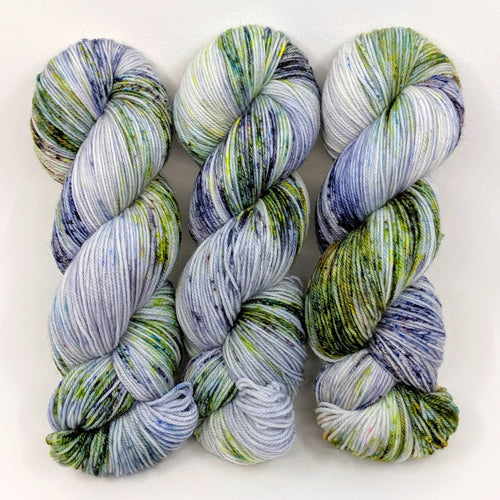 Rocky Mountain Snowfall - Merino Singles - Dyed Stock