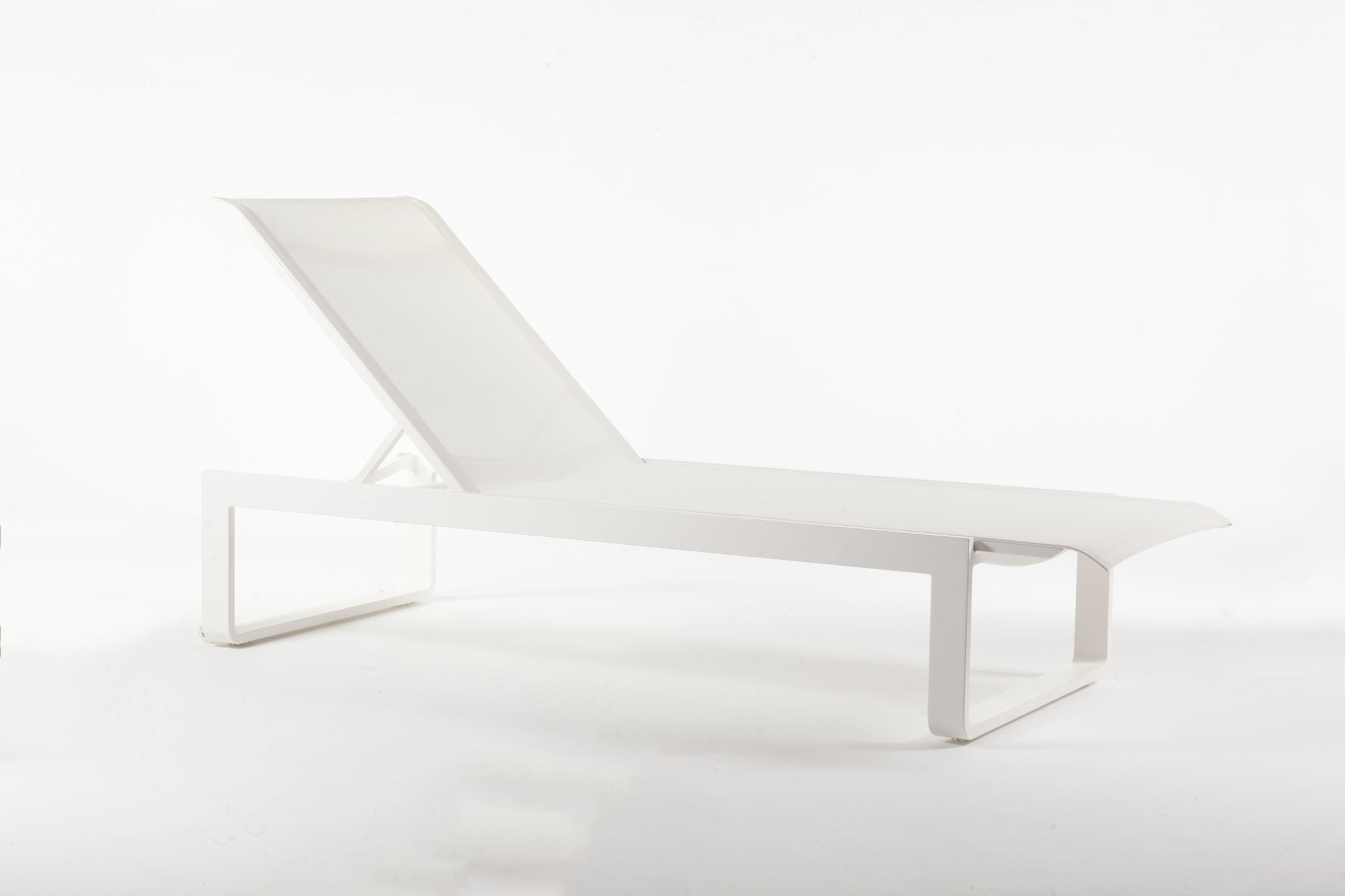 "The ""Wels"" Chaise : Mesh [FCC5835WHT] 1"