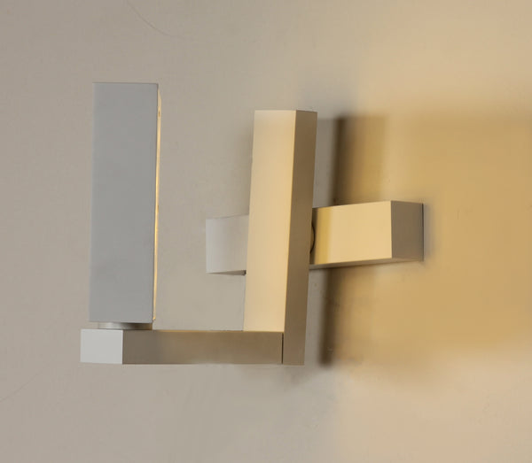 The Floro wall sconce [LS876WLED]