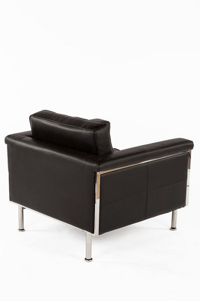 The Urne Lounge Chair 3