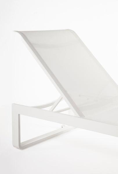 "The ""Wels"" Chaise : Mesh [FCC5835WHT]"