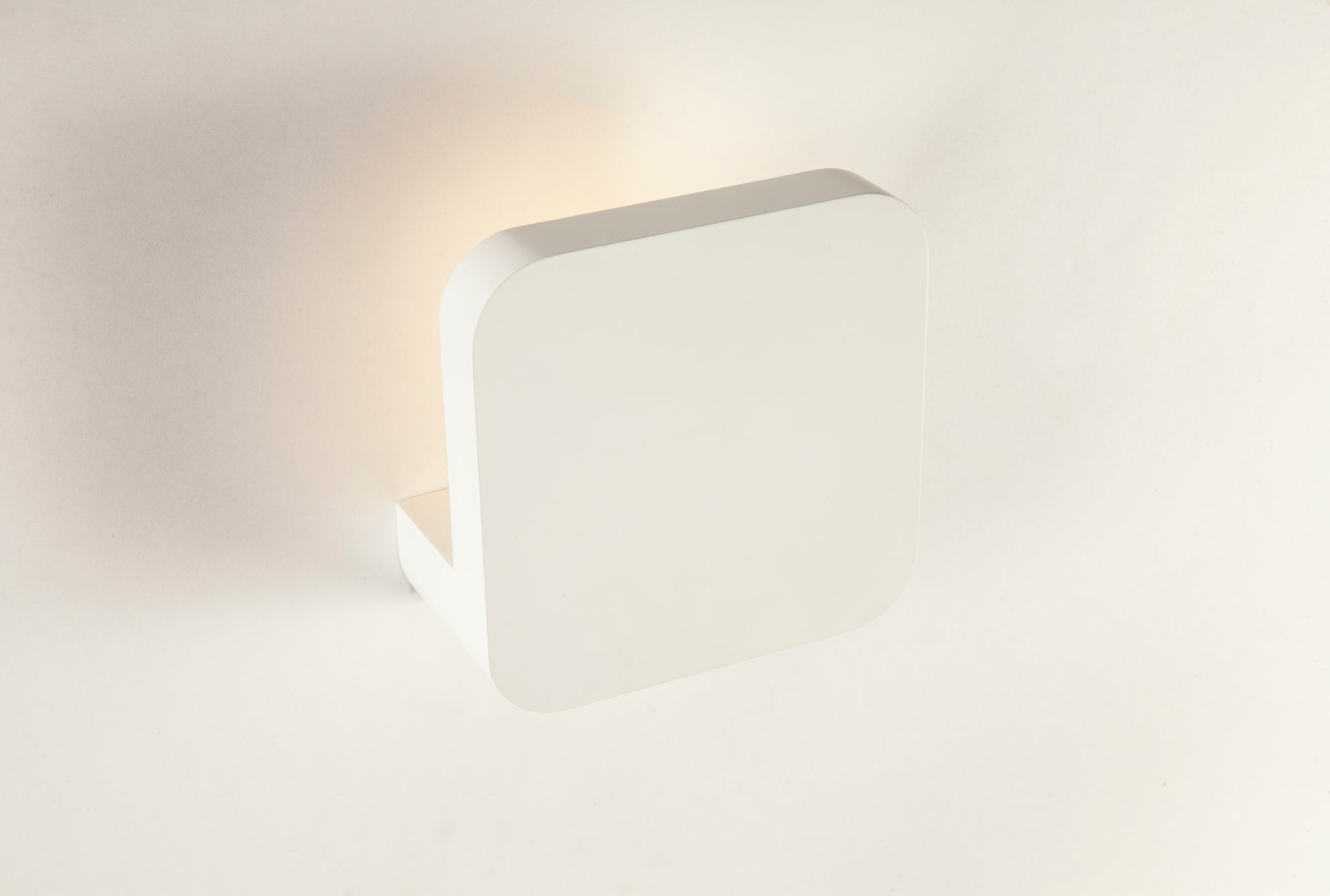 The Grimstad Wall Sconce [LS882W1LED]