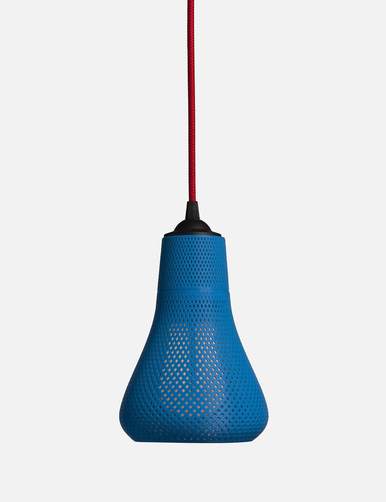 Plumen 002 with Kayan shade  blue with red chord