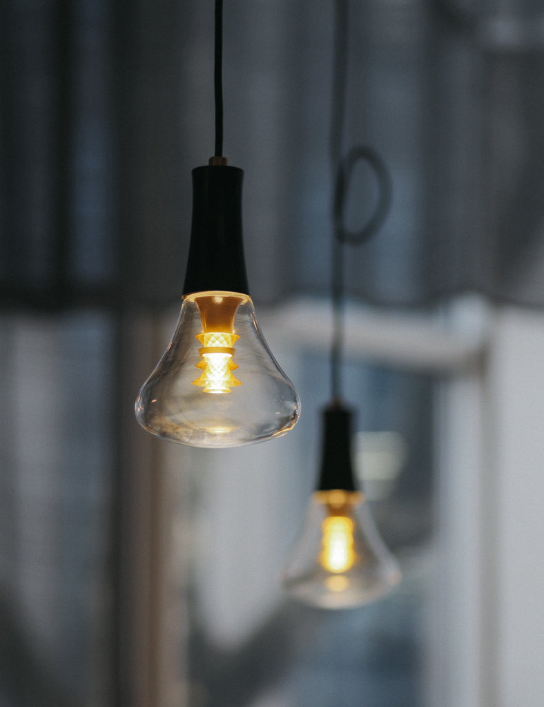 Plumen 003 lightbulb