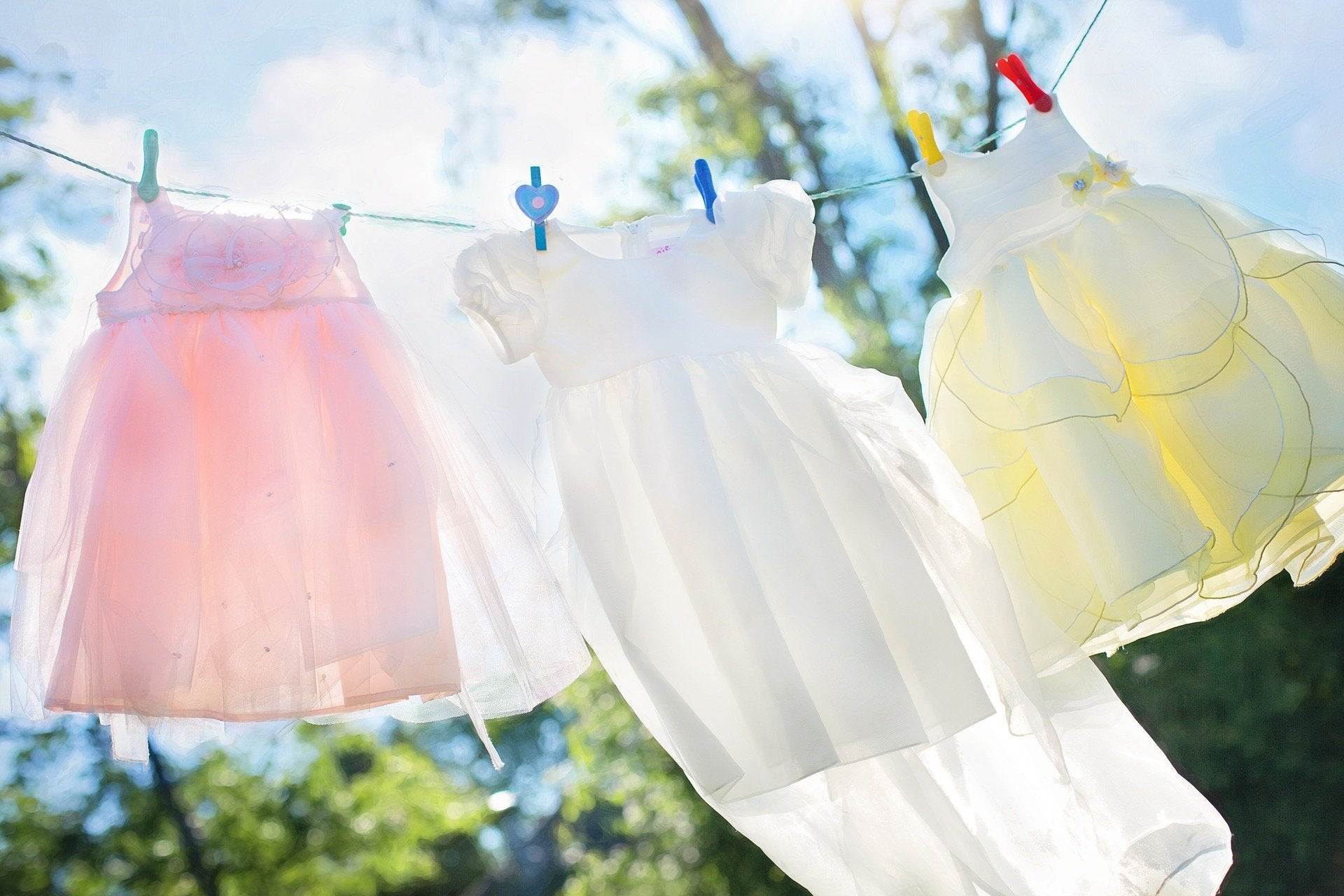 How to clean clothes healthy