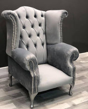 Load image into Gallery viewer, Queen Chair