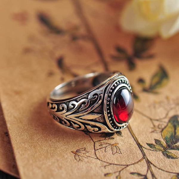 Black Agate & Red Garnet Ancient Ring - LuLuify.com