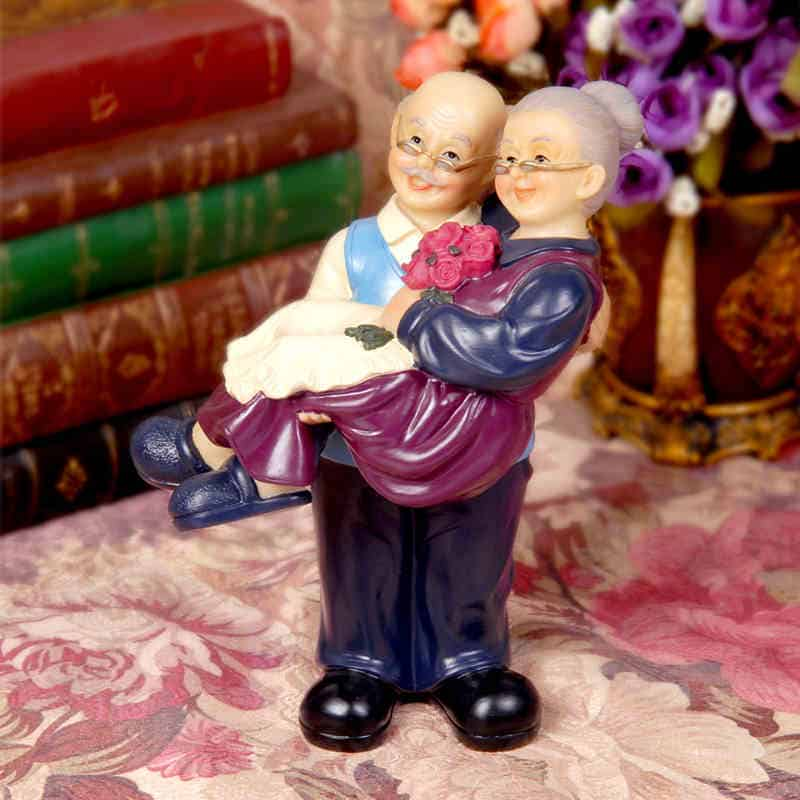 Old Couples Figurines Stutues - LuLuify.com