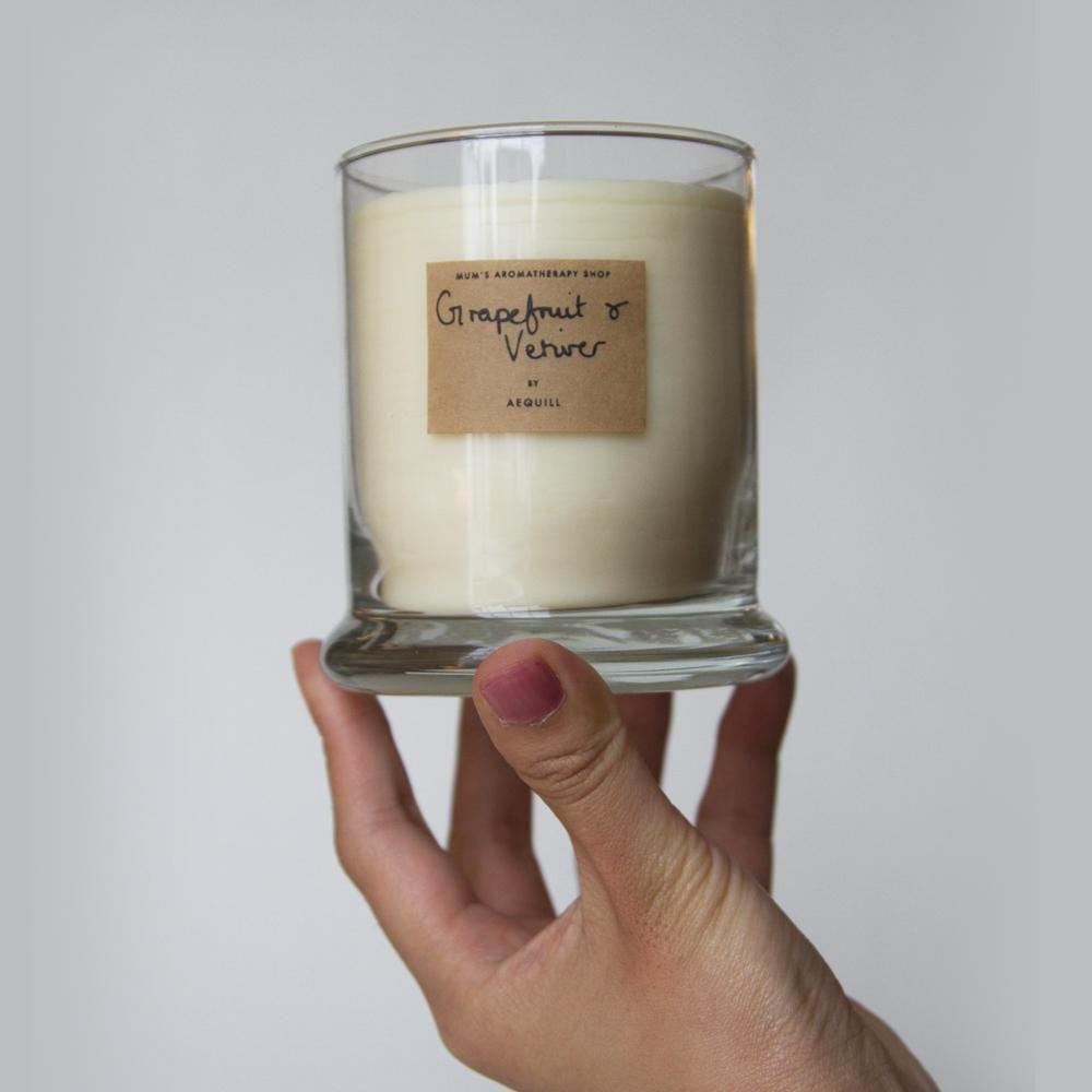 AEQUILL Grapefruit & Vetiver Essential Oil Scented Candle