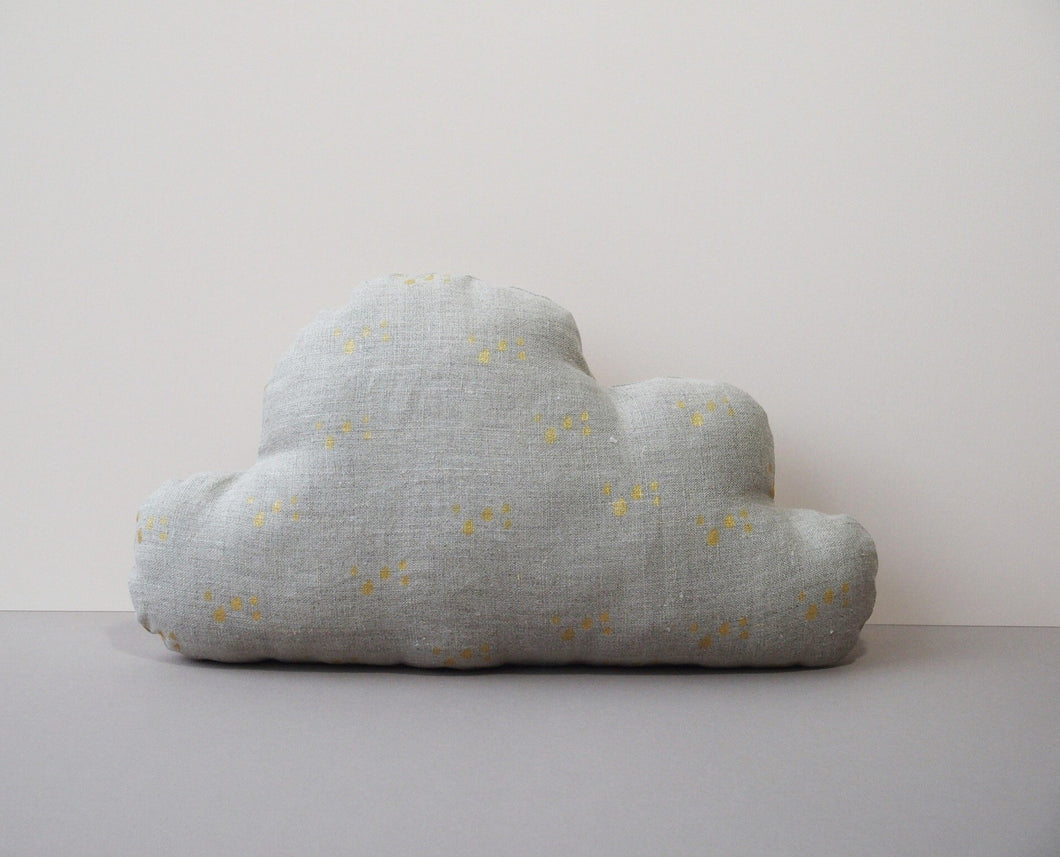 Cloud shaped cushion - Organic