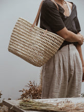 Load image into Gallery viewer, DAILY BASKET KNITTED SHOPPER - FLAT LEATHER HANDLE